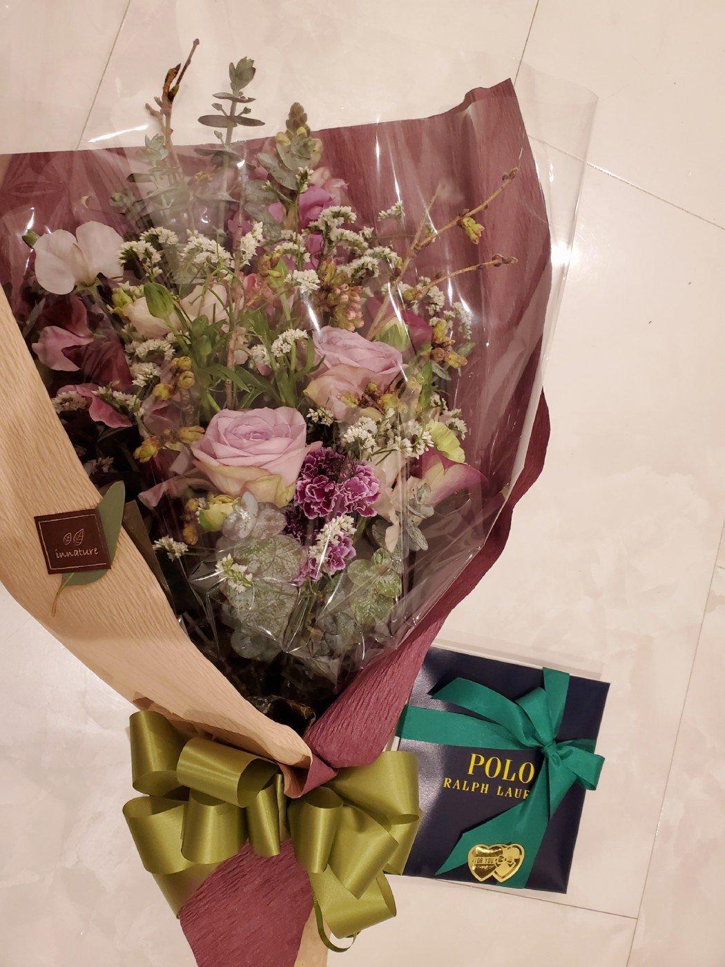 卒業式に先生へ贈る花束