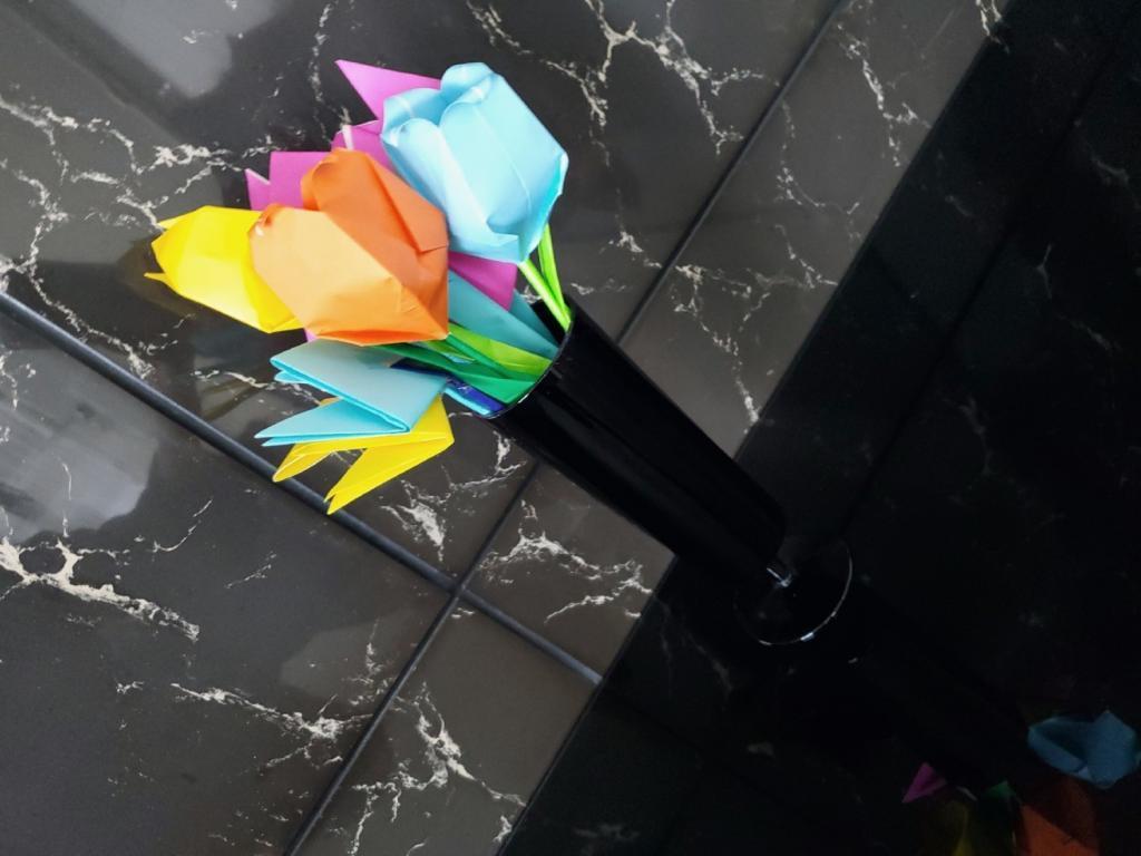 折り紙で作ったチューリップ