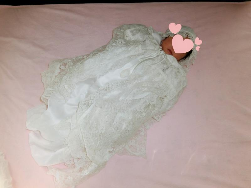 母親が産まれた時に着たベビードレスを我が子達も着る