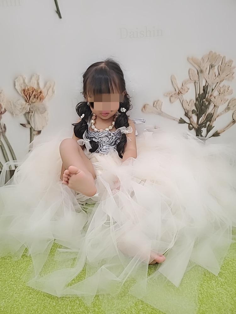 女の子3歳七五三前撮り写真ドレス