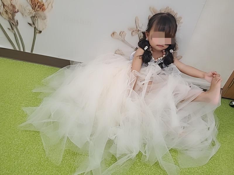 女の子3歳七五三前撮り写真お洒落なドレス