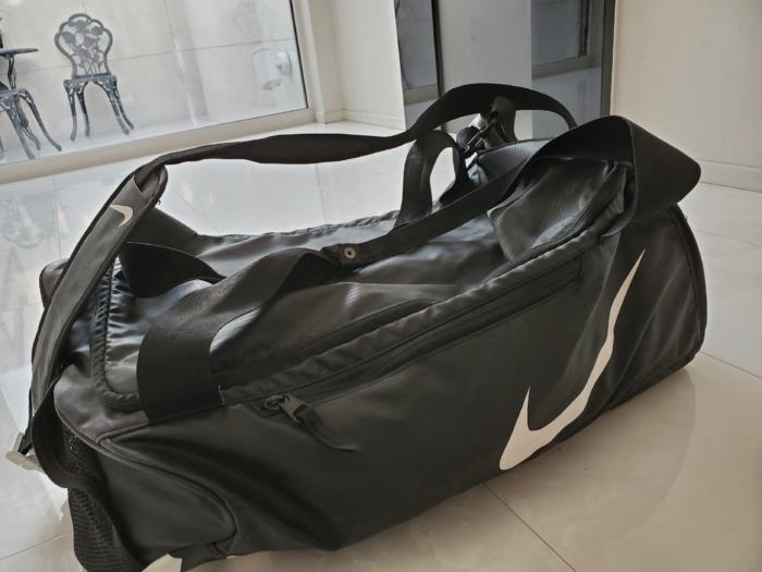 中学生野外活動へ持っていくバッグ