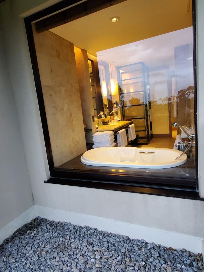 リッツカールトン沖縄のバスルーム