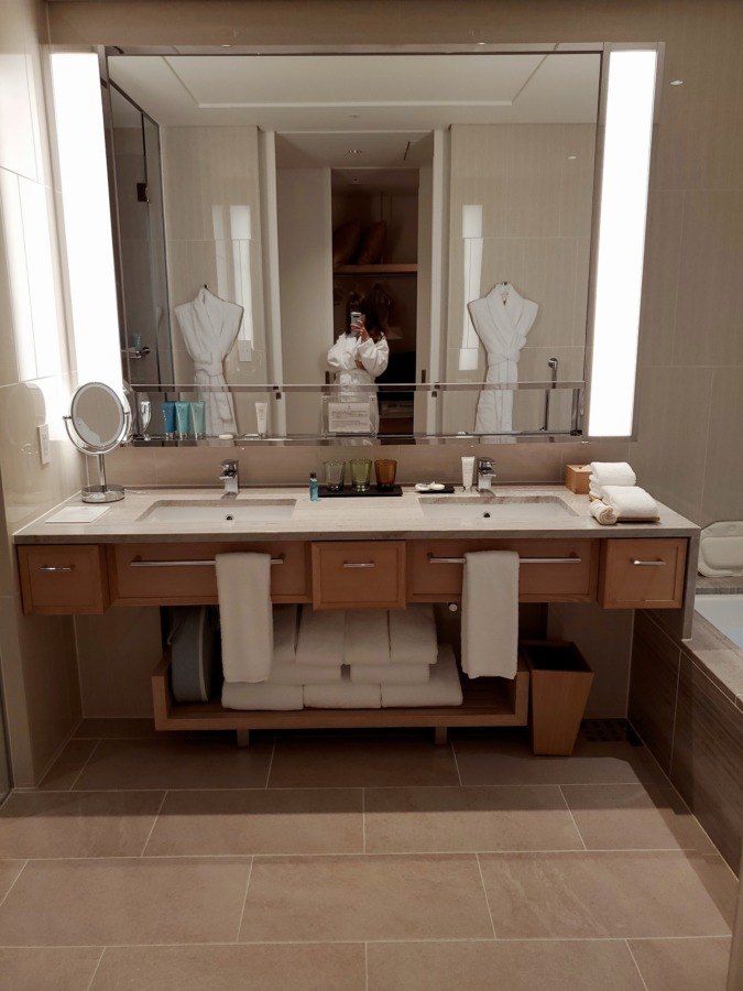 ハレクラニ沖縄のバスルーム