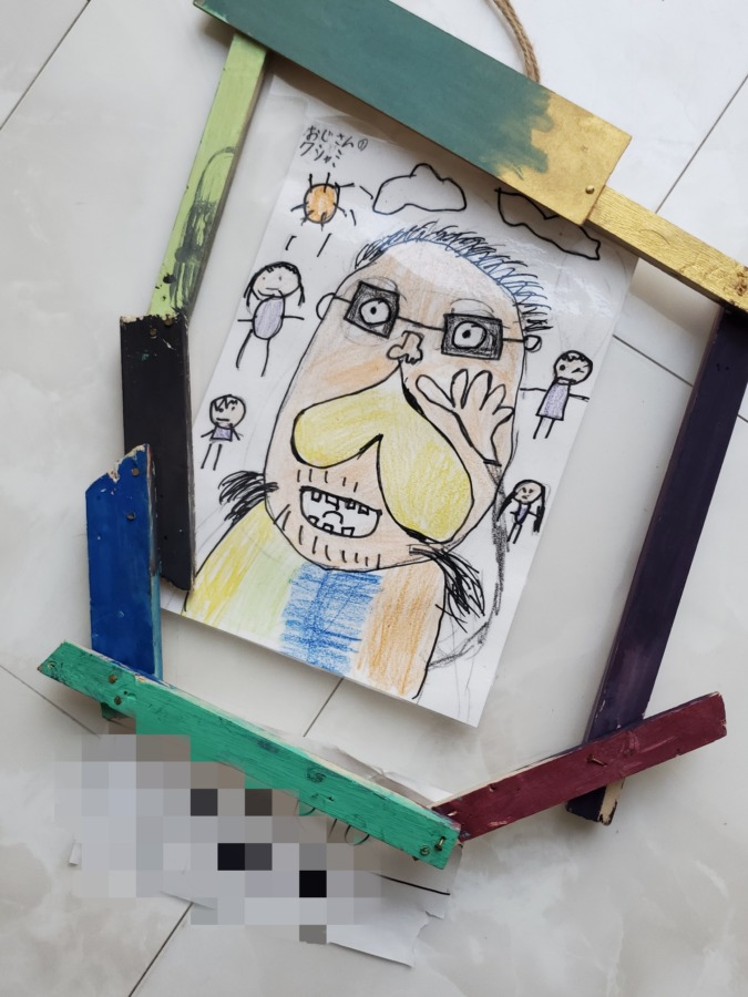 小学生の息子が書いた独特な絵
