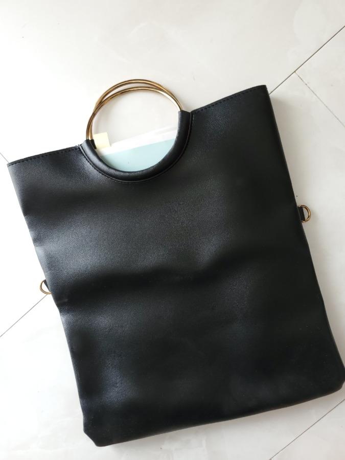 書類入れに便利なバッグ