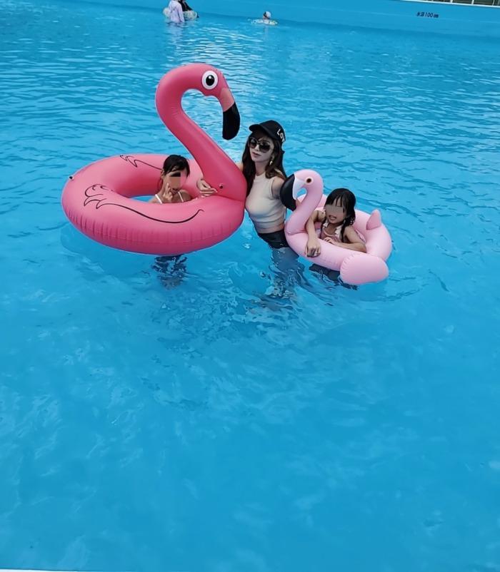 フラミンゴの浮き輪